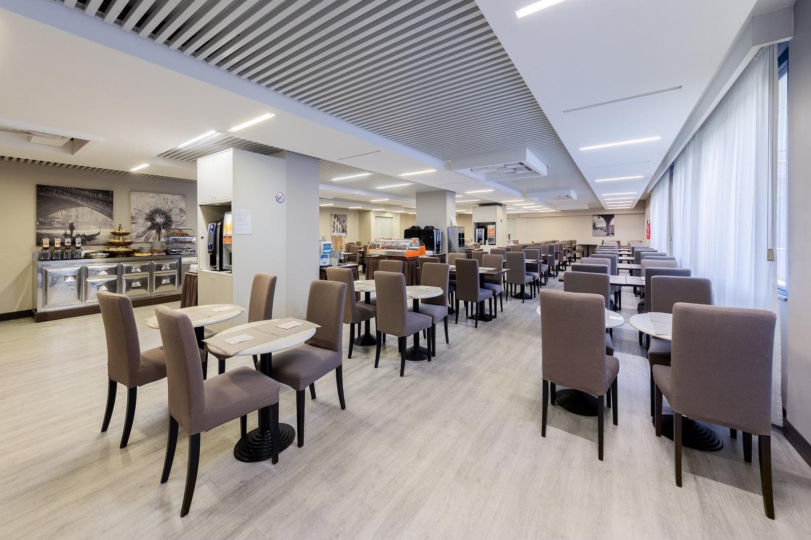 sala-colazione-hotel-delfino-venezia
