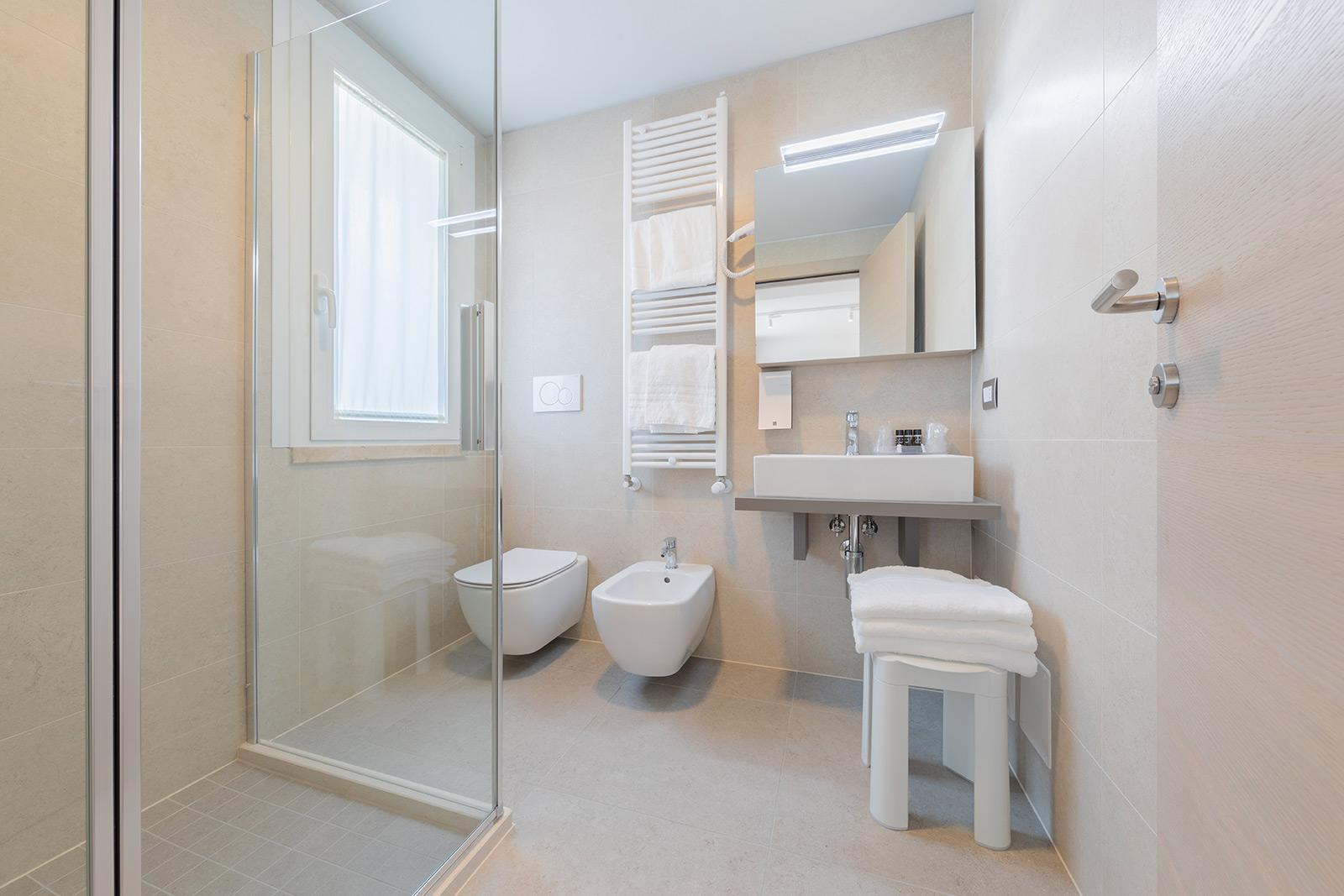 bagno-camere-hotel-delfino
