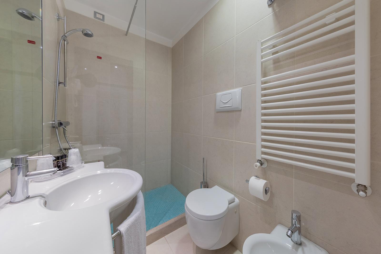 bagno-hotel-delfino-venezia