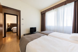 detail-room-twin-hotel-delfino
